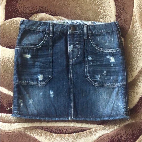 Guess Dresses & Skirts - Guess distressed side zip denim skirt, size 27,new